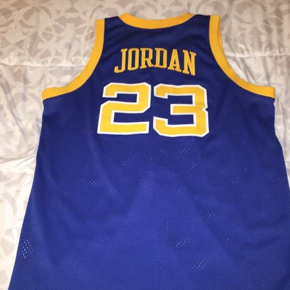 check out 23852 d025f Jordan Laney High High school Jersey - XL